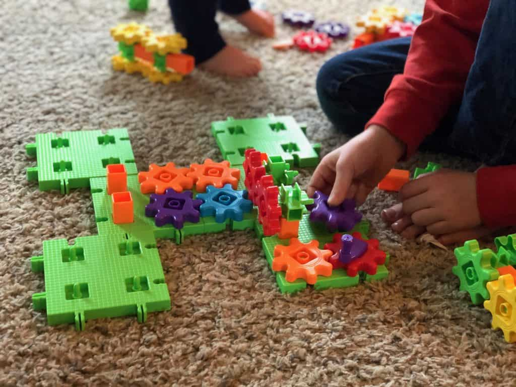 Gears building toy for 3-year-olds